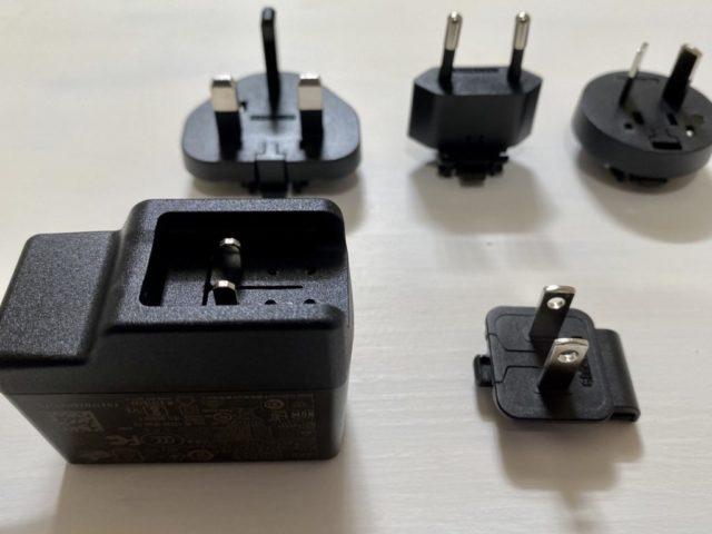Blackmagic Design ATEM MiniACアダプタに日本のコンセントをセット