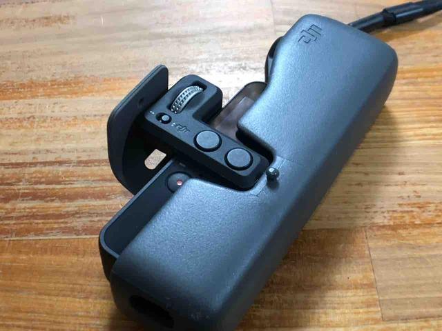 「Osmo Pocket コントローラーホイール」と純正ケース